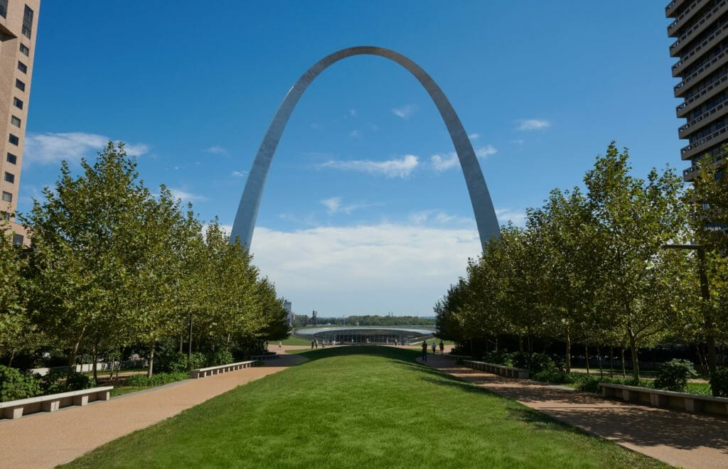 Halka Nursery Project: Tree Plantings at the Gateway Arch